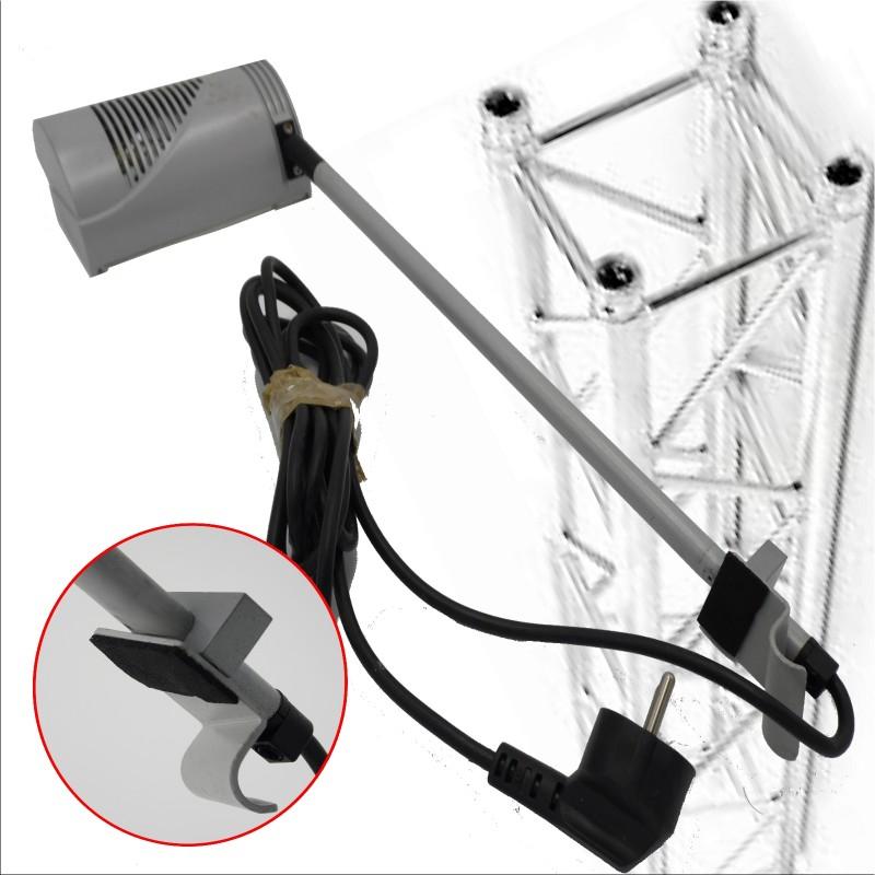 eclairage pour pr sentoir avec lampe halog ne accroche sur. Black Bedroom Furniture Sets. Home Design Ideas